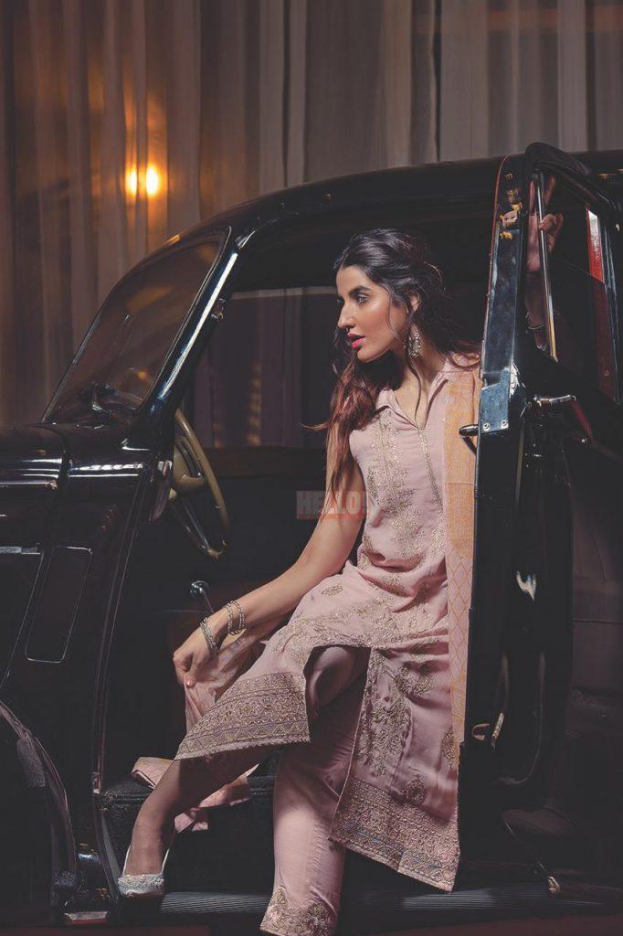 Hareem Farooq Wardrobe By Pakistani Designers | wearing Maria B 16 Hareem farooq sapphire dress 1