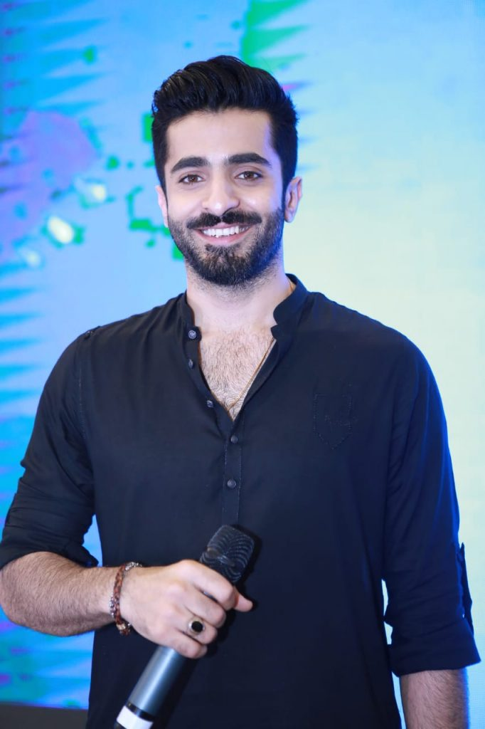 Parey Hut Love Promotions 2019| Dates , Dressing, Cast 18 Sheharyar Munawar candid shot