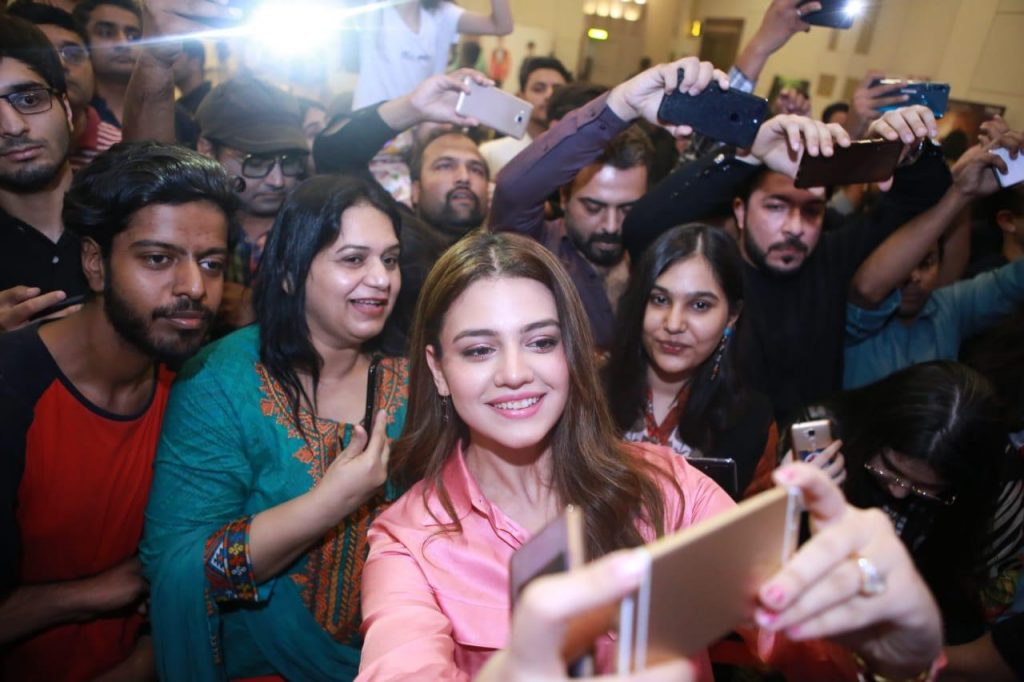 Zara Noor Abbas Parey Hut Love promotion in Islamabad