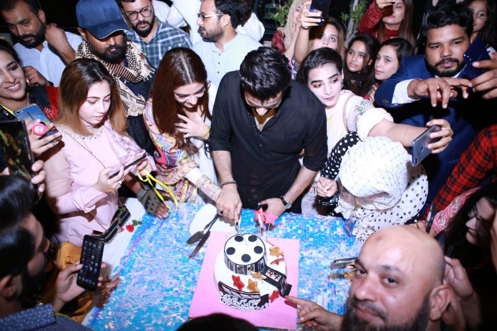Parey Hut Love Promotions 2019| Dates , Dressing, Cast 8 cake cutting at parey hut love promotion