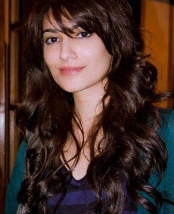 Pakistani Actress Naveen Waqar