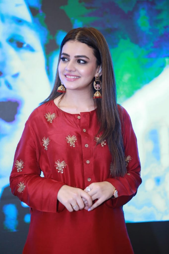 Parey Hut Love Promotions 2019| Dates , Dressing, Cast 19 zara noor abbas in red