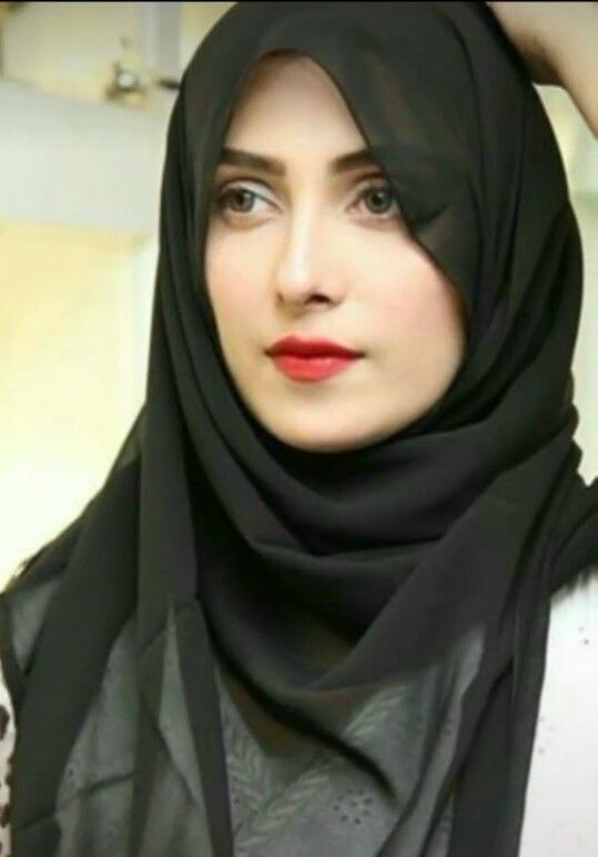 Famous Pakistani Actresses in Hijab shocked us! 2 ayeza khan in hijab