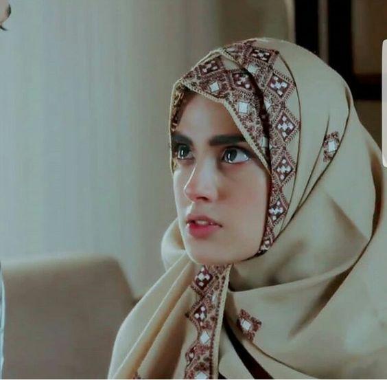 Iqra Aziz in Hijab actress
