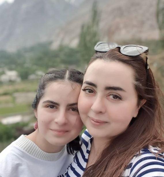 maria-b-and-fatima-b-daughter