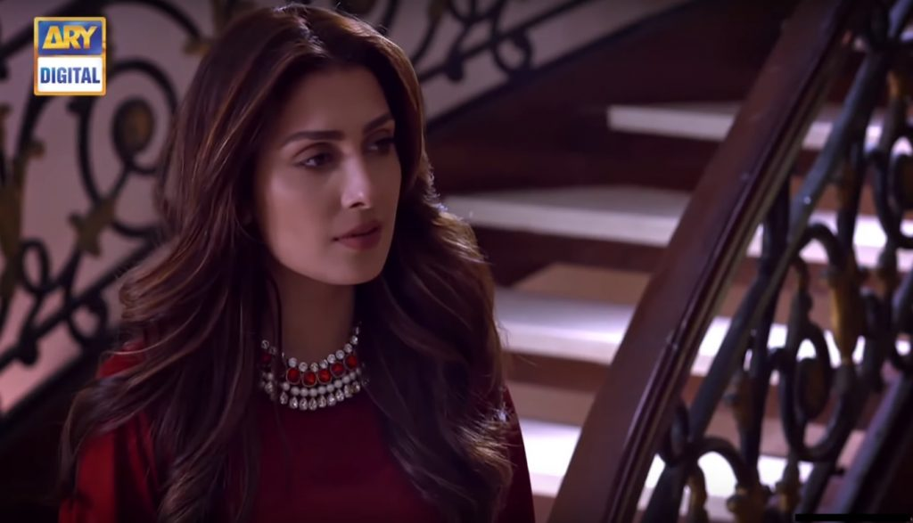 3 Iconic Looks of Ayeza Khan in Mere Paas Tum Ho That Will Be Remembered 2 ayeza khan in Red Dress episode 15 Mere Pass Tum ho