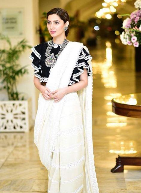 Saree Best Outfits Of Mahira Khan
