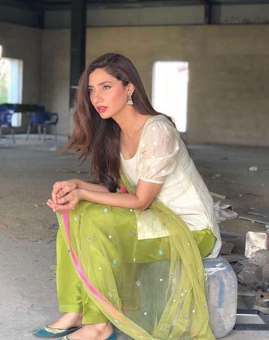 Mahira Khan Shalwar Kameez