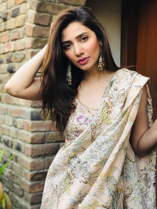 Mahira Khan sexy