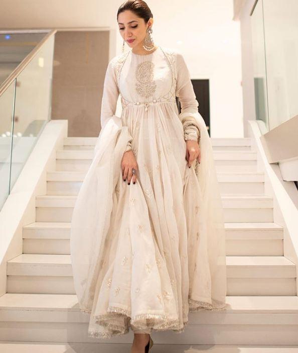 Mahira Khan white frock