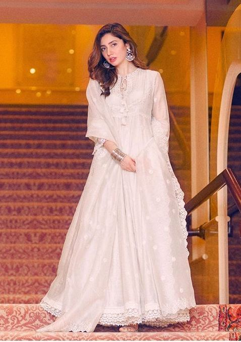 18 Best Outfits Of Mahira Khan That Are Perfect For A Wedding Showbiz And Fashion,Wedding Attractive Beautiful Night Dresses