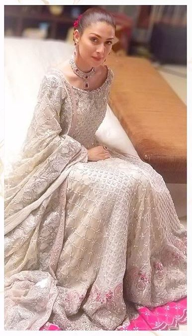Ayeza Khan in MPTH
