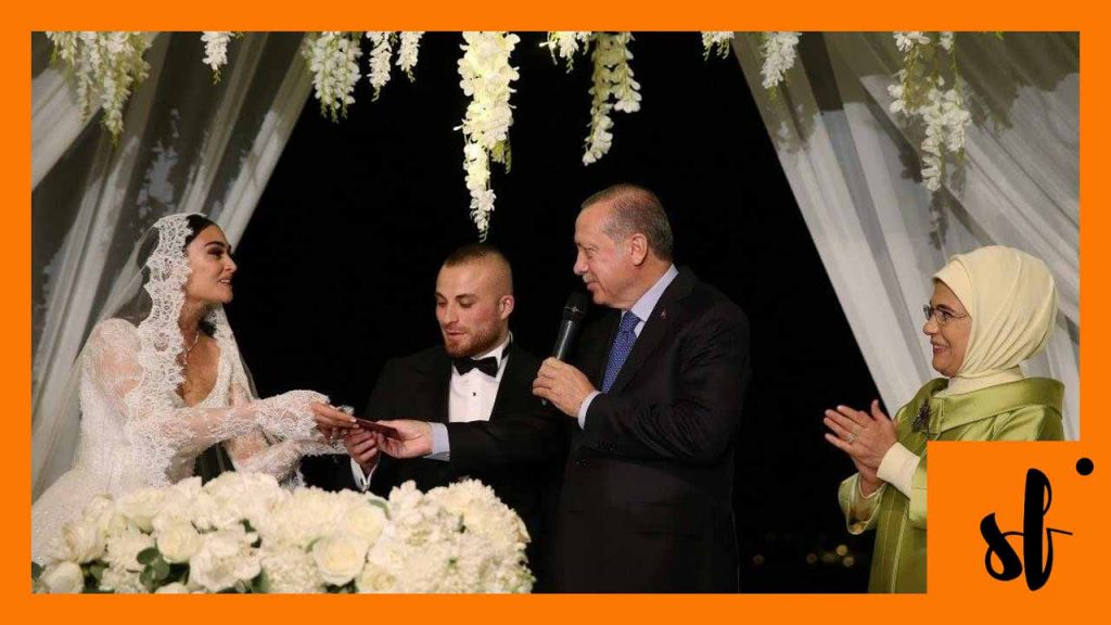 Esra bilgic aka Halime Sultan Wedding Picture