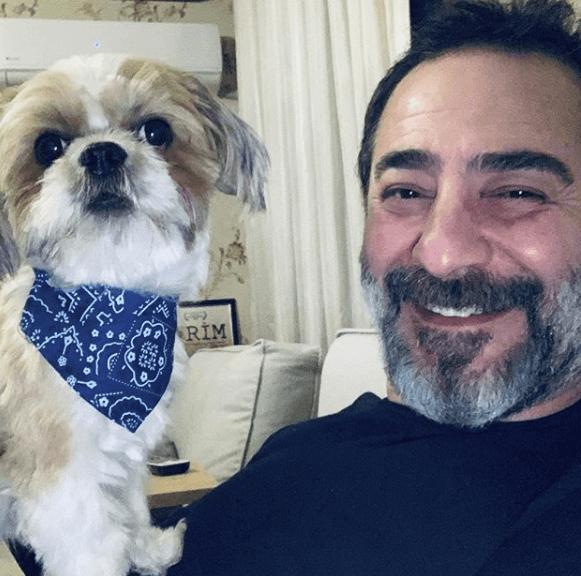 Ayberk Pekcan aka Artuk Bey in Dirilis Ertugrul 5 Artuk Bey Ertugrul Cast Ayberk Pekcan with dog