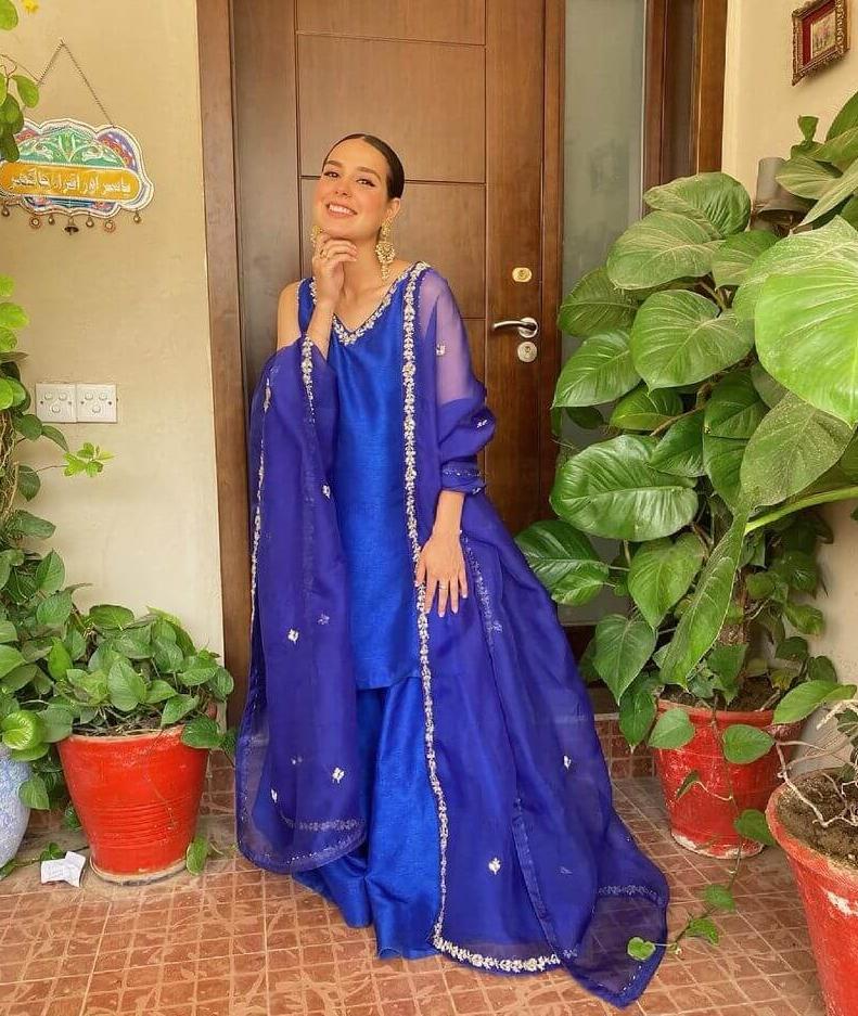 Iqra Aziz Blue Dress