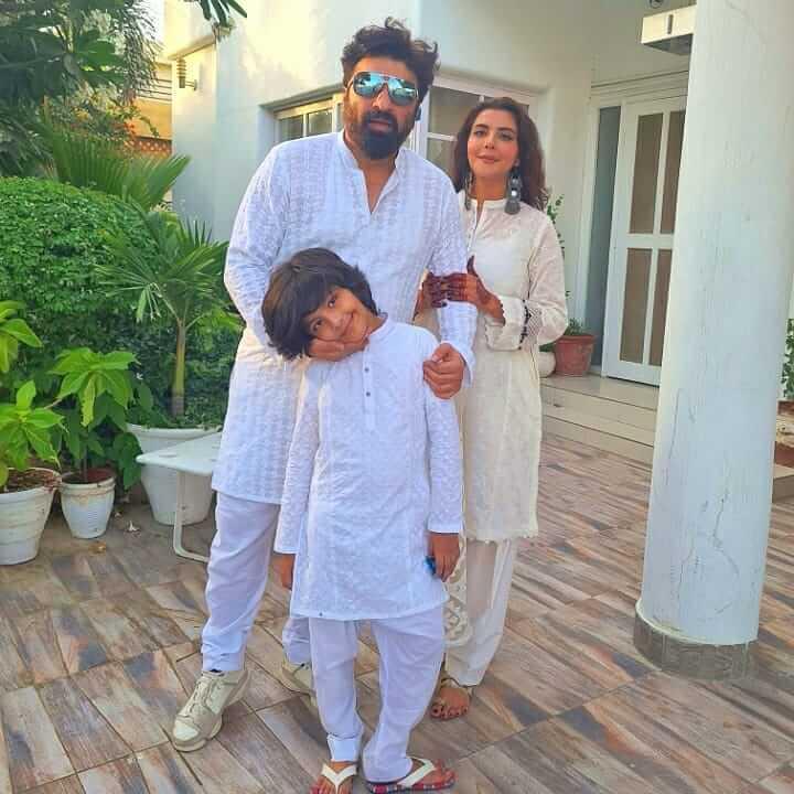 Nida Yasir Family Picture