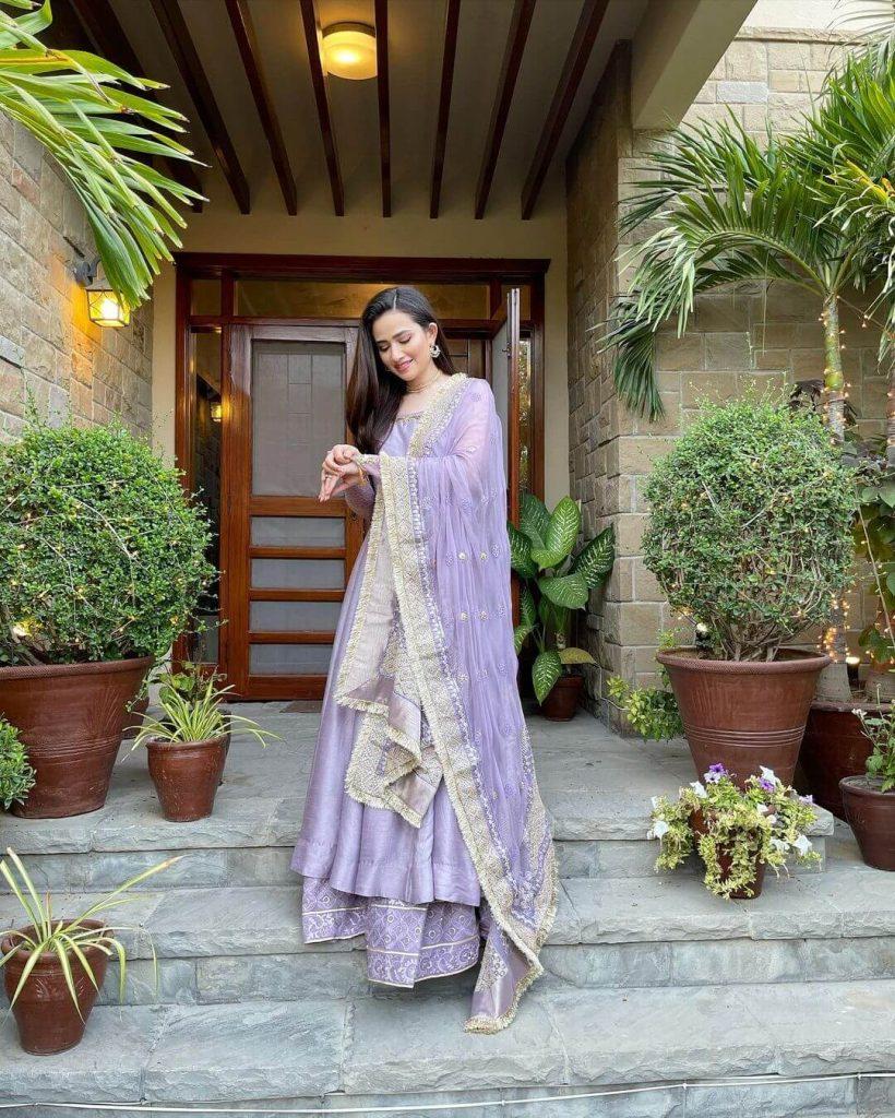 Sana Javed Latest Pics