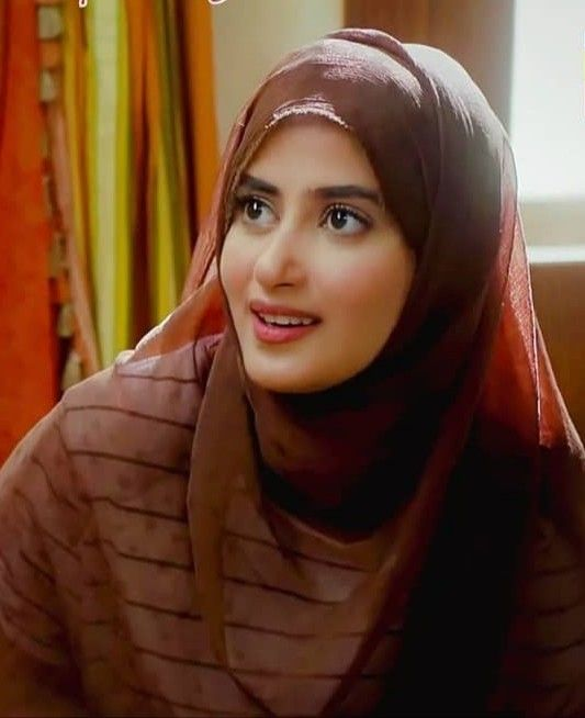 Famous Pakistani Actresses in Hijab shocked us! 9 sajal ali in hijab pictures min