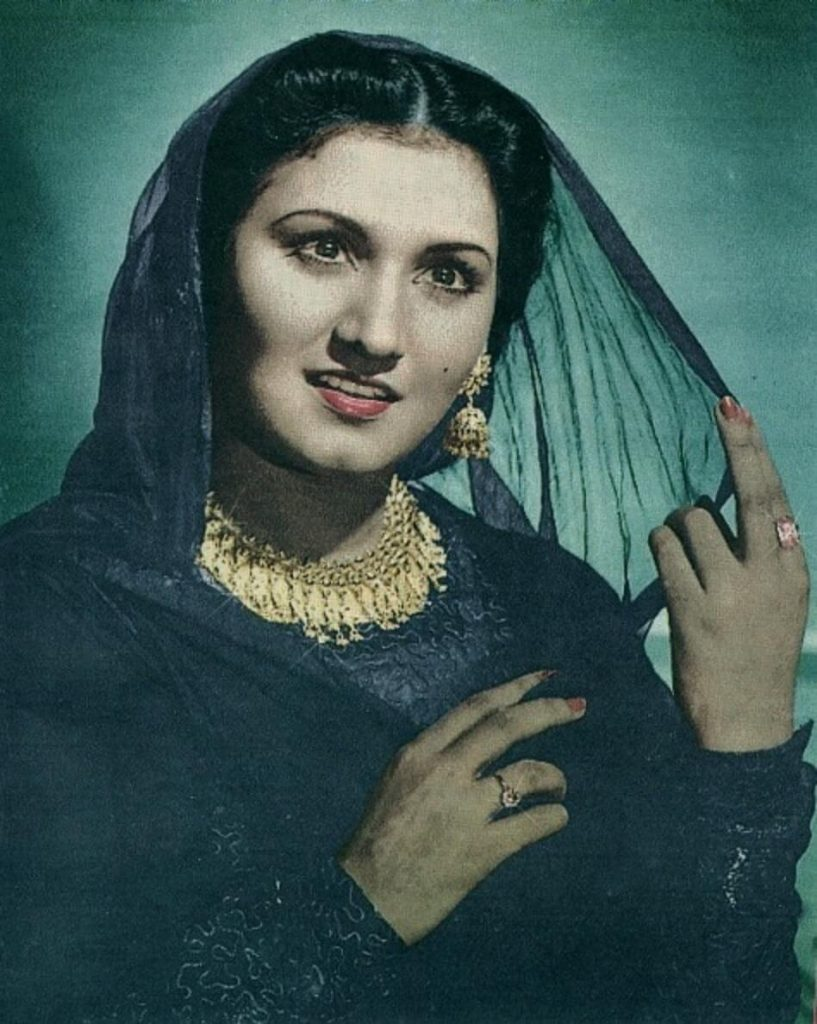 Legendry Old Pakistani Singers who Founded Pakistani Music 1 Famous Female Pakistani Singer