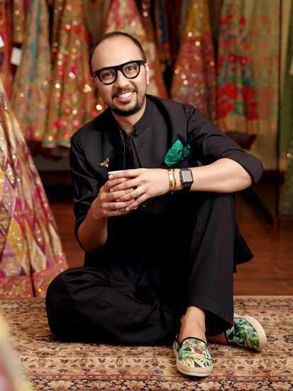 Expensive Fashion Designers in Pakistan 6 Nomi Ansari Designer Biography 1