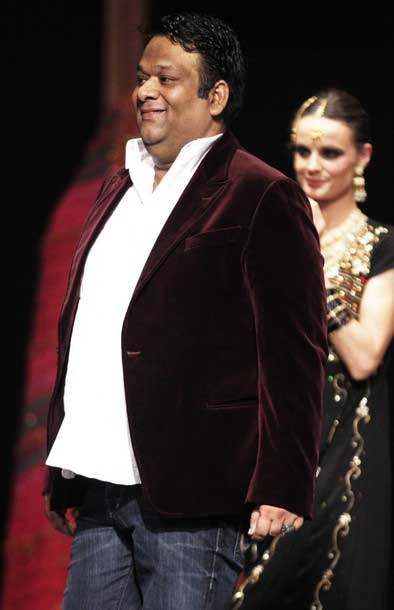 Expensive Fashion Designers in Pakistan 70 Umar Sayeed Fashion Designer 1