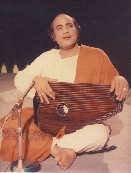 Legendry Old Pakistani Singers who Founded Pakistani Music 14 mehdi hassan singer