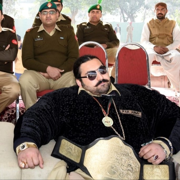 Pakistani Hulk Arbab Khizer Hayat aka Khan baba 1 EU7jE1