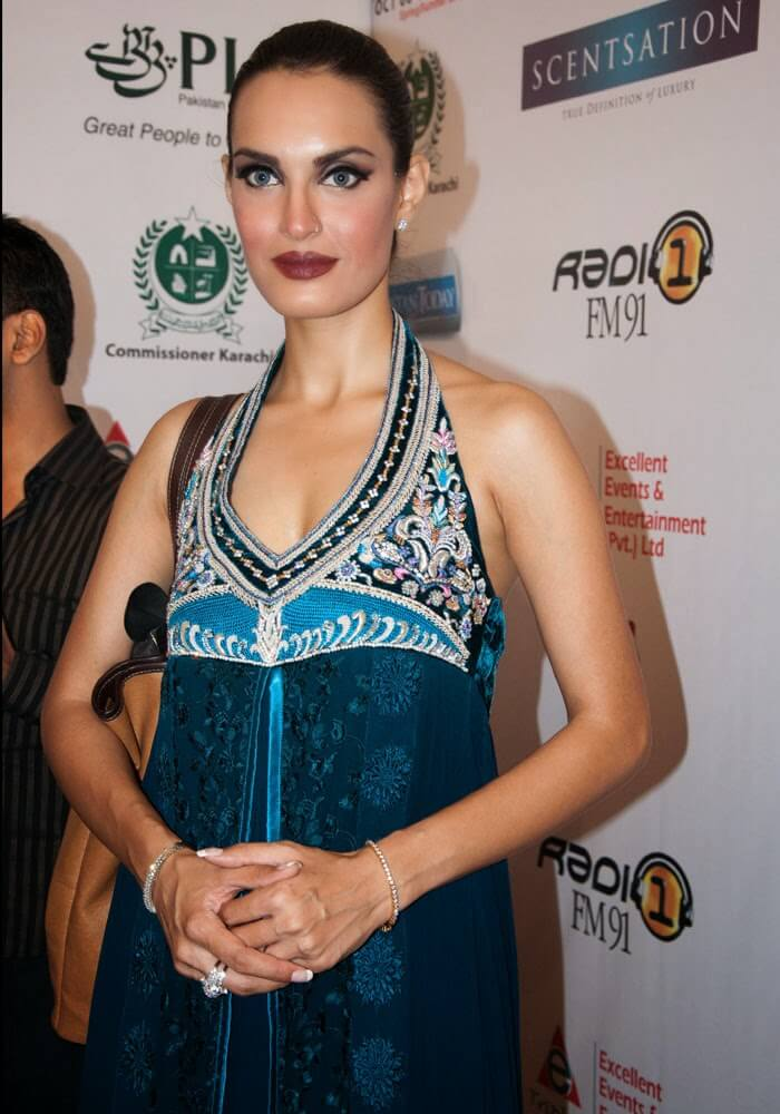Nadia Hussain Model