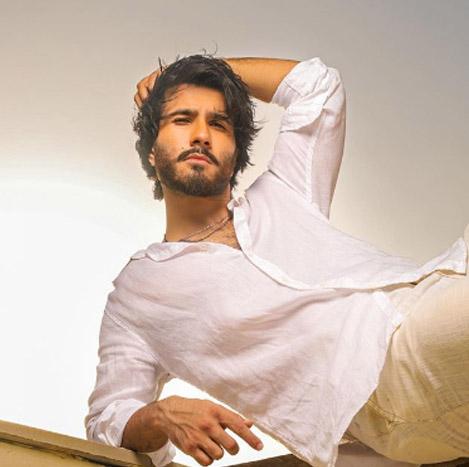 Pakistani Male Models 41 feroze khan 3
