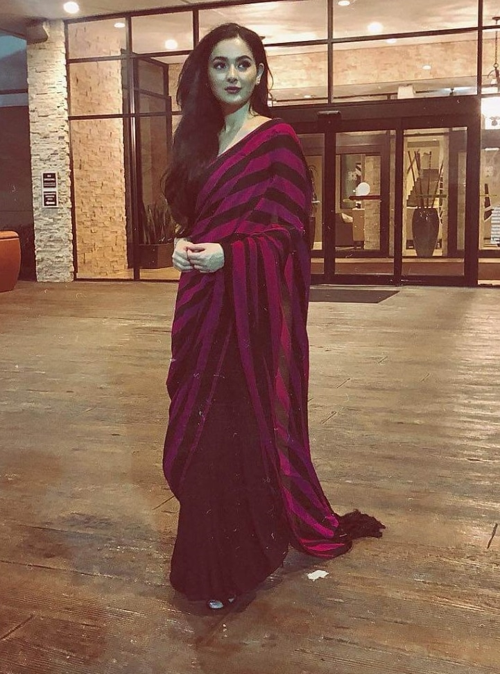 2021 Celebrities in Saree Look Classy 10 Hania Amir in Meroon Saree 1024x1024 1