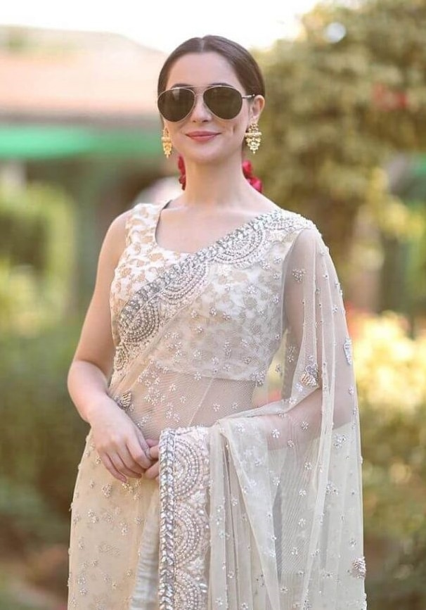 2021 Celebrities in Saree Look Classy 8 Hania Amir in Saree6 1024x1024 1