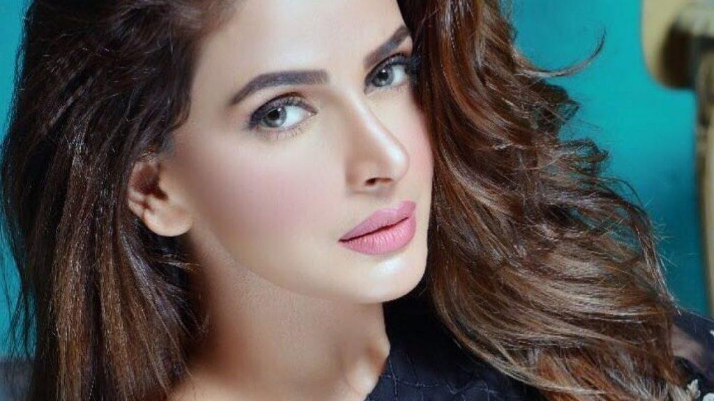 Bollywood Cast - Talented Pakistani Actors in India 22 Saba Qamar 1280x720 1