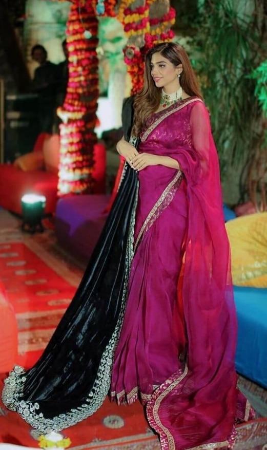2021 Celebrities in Saree Look Classy 3 Sonya Hussain in Saree pics10 819x1024 1