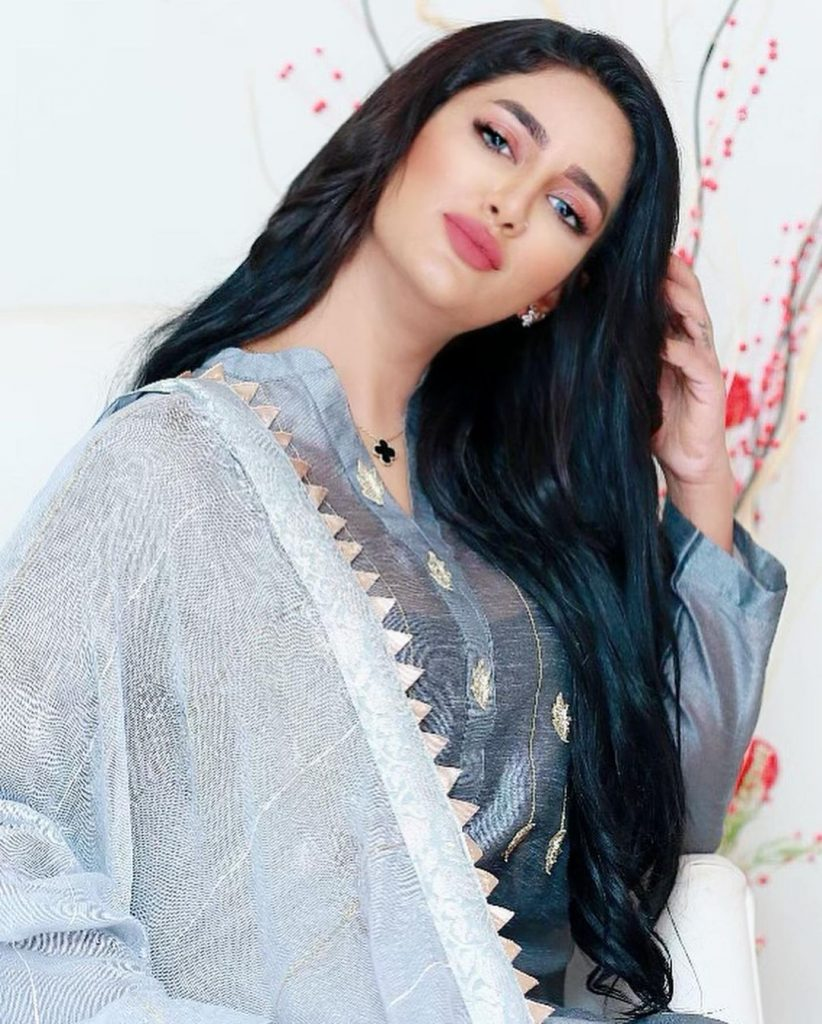 Bollywood Cast - Talented Pakistani Actors in India 62 real mathira 67751258 104454337495967 5093926556609679491 n 1