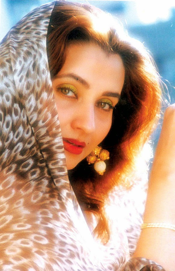 Bollywood Cast - Talented Pakistani Actors in India 153 salma agha sizzling and attractive look photo