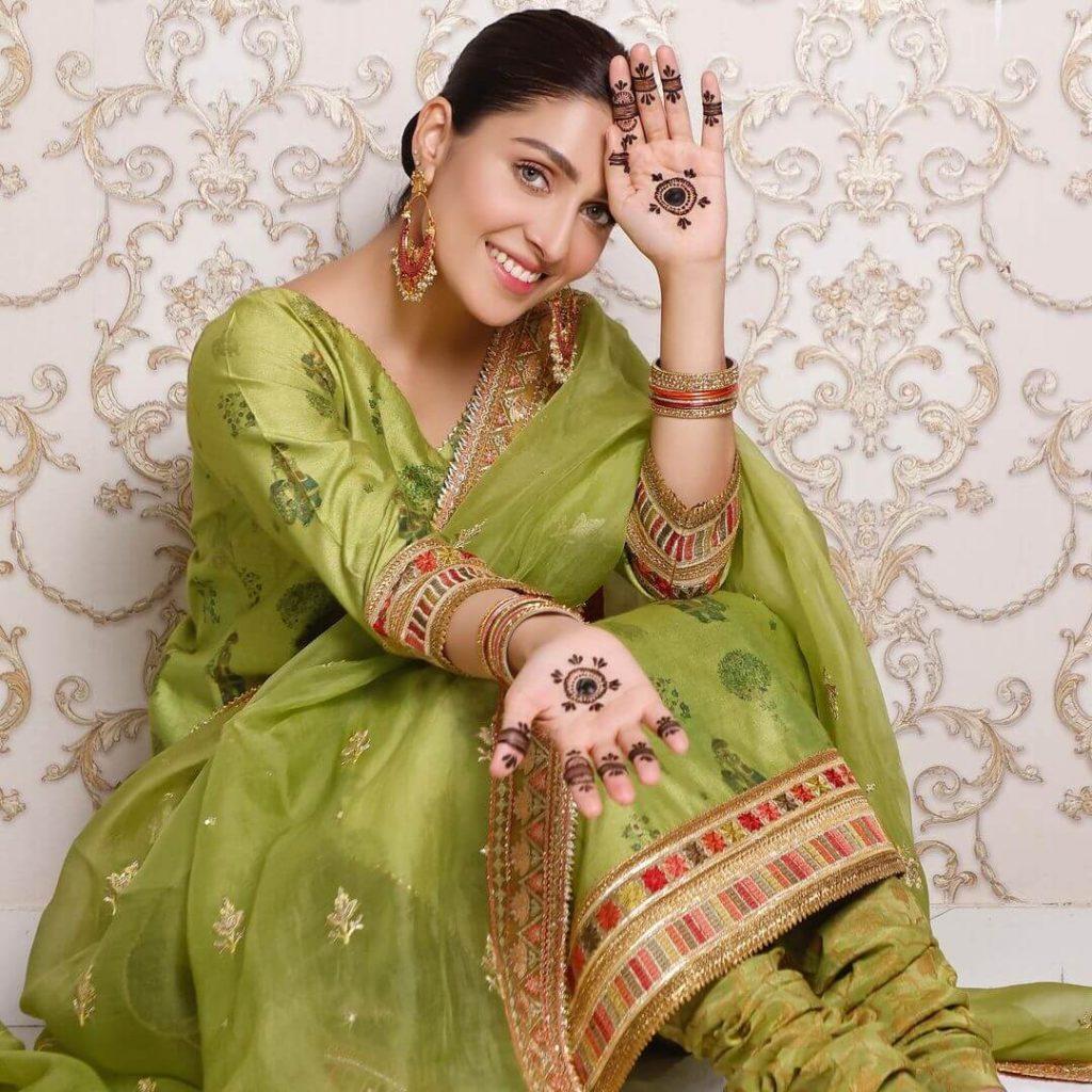 Smiling Ayeza Khan Green dress