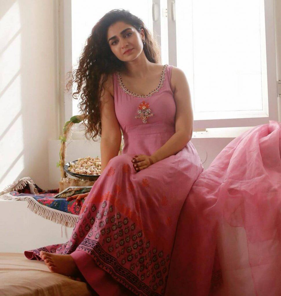 Hajra Yamin Eid Outfit