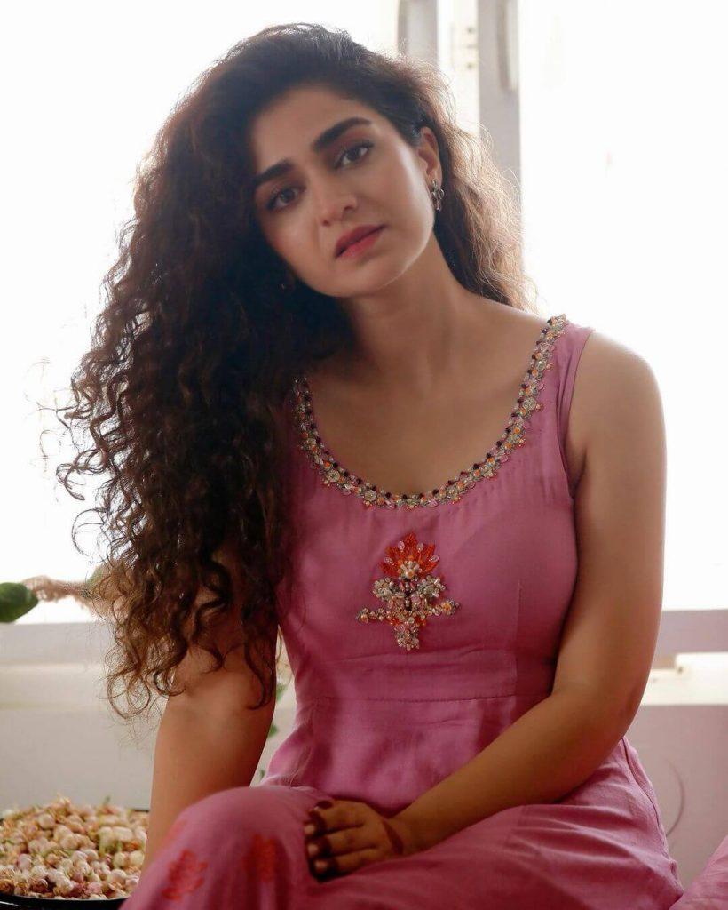 Hajra Yamin Latest Pictures