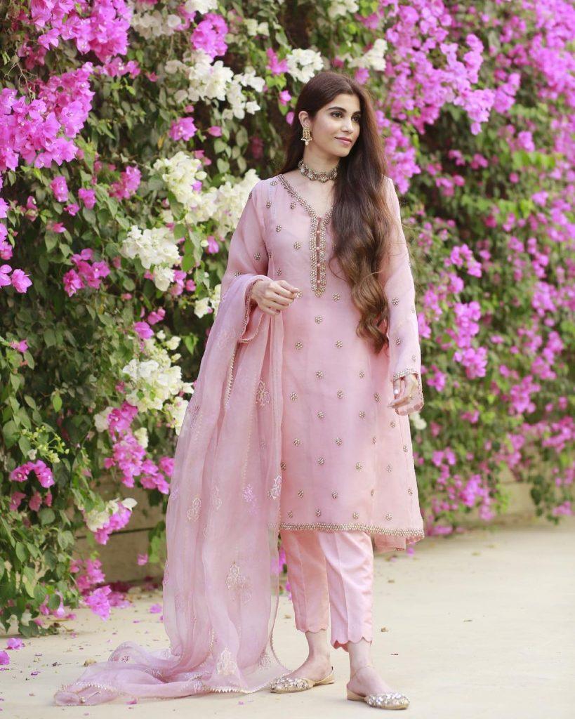 Pakistani Celebrities and their Eid Outfits 9 Minna Rubina Tariq Daughter Eid Dress 1