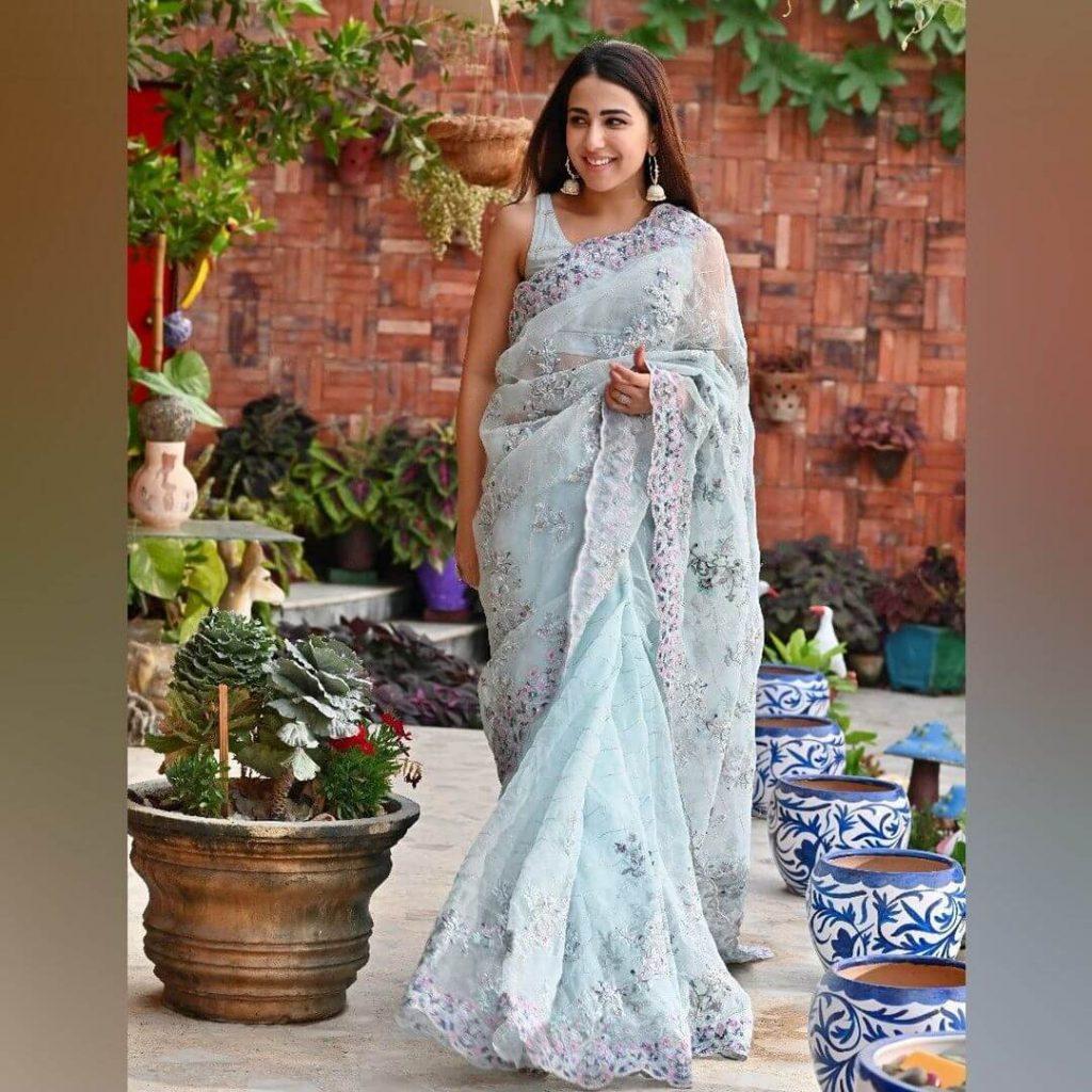 Ushna Shah wearing white Saree